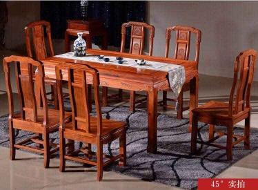 国色天香餐桌